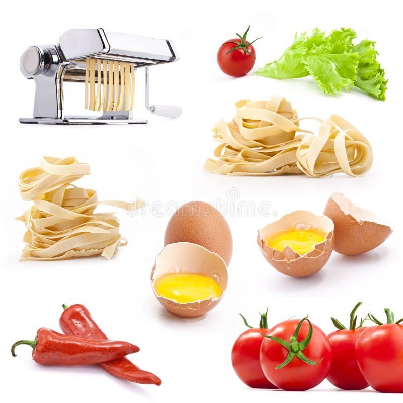 hemlagade hjälpmedel för pastaproduktset royaltyfri fotografi