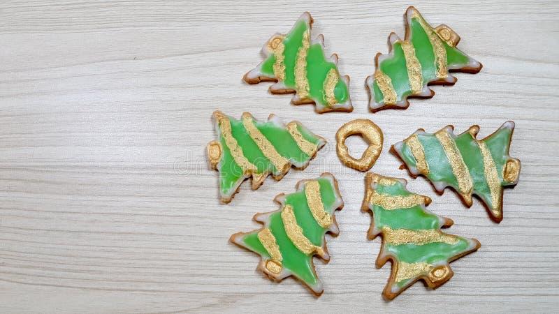 Hemlagade kakor för pepparkaka arkivbild