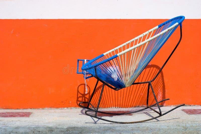 hemlagat mexikanskt vaggande för stol arkivfoton