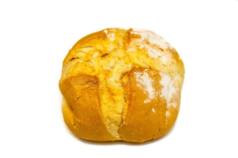 Hemlagat runt bröd från vetemjöl som isoleras arkivfoto