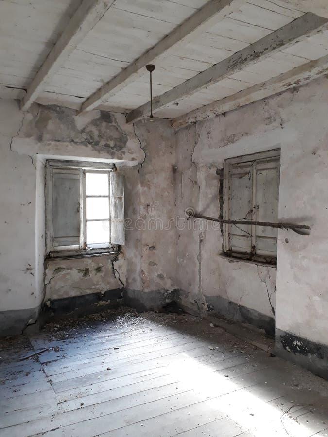 Hemligheter av ett gammalt tomt rum arkivfoton