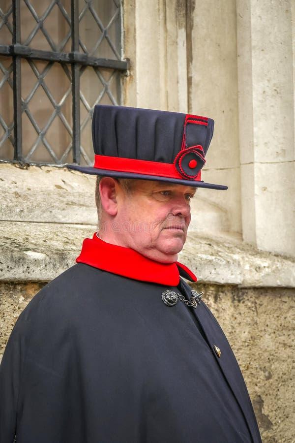 HemmansägareWarders på tornet av London royaltyfri bild