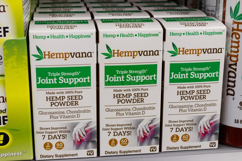 Hempvana产品在沃尔码的待售 CBD油和大麻大众化作为一个医药产品有扶摇直上的I 免版税图库摄影