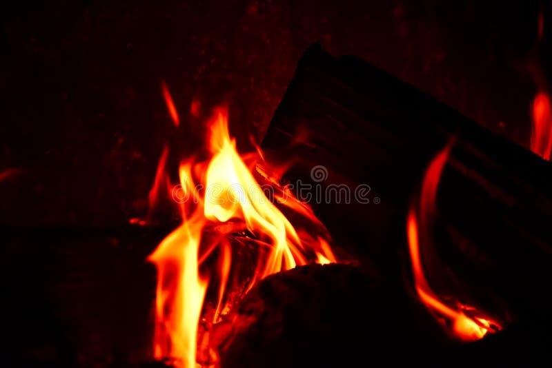 hemtrevlig brand arkivfoton
