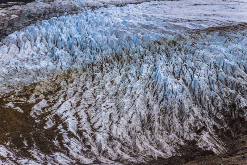 Hendiduras en el glaciar de Cerro Torre dentro de los glaciares parque nacional, la Argentina fotografía de archivo libre de regalías