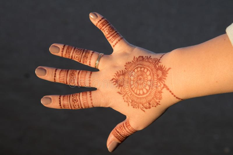 Henna, Mehndi, een vorm van lichaamskunst van Oud India stock afbeeldingen