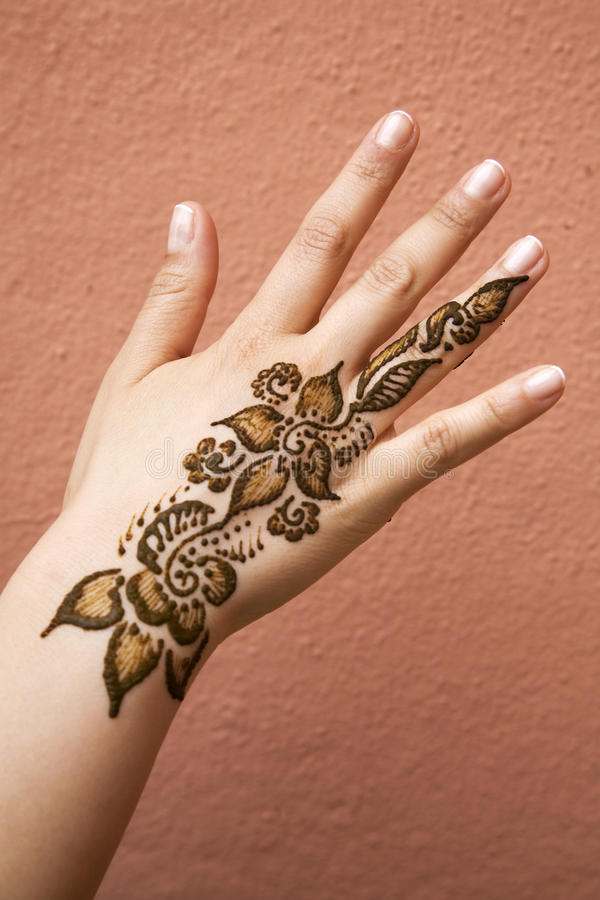 Free Henna On Hand Stock Image - 15909341