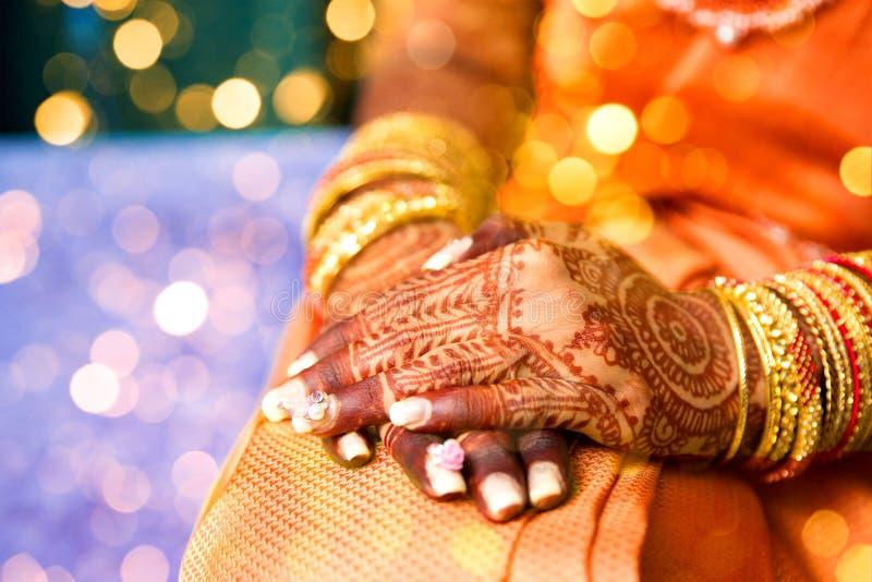 Hennastrauchtätowierung, indische Braut lizenzfreie stockfotografie
