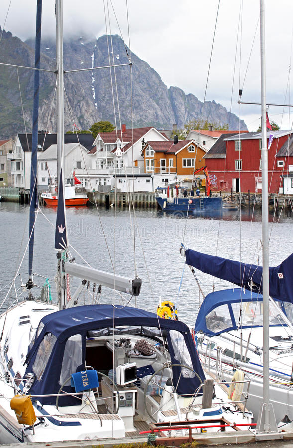 Henningsvaer, Lofoten - Noorwegen stock foto's