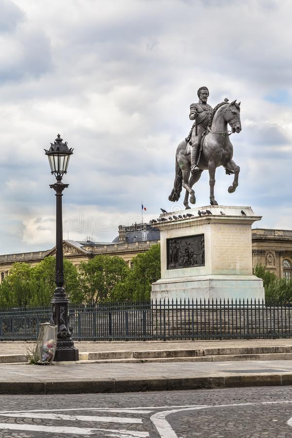 Download Henrici Magni statua obraz stock editorial. Obraz złożonej z landmark - 106915559