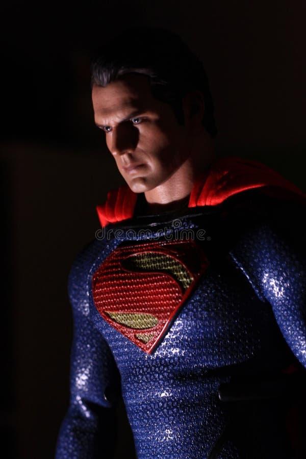 Henry Cavil come uomo del superman di acciaio fotografia stock