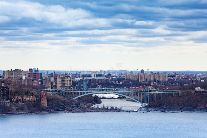 Henry Hudson Bridge, Bronx von Englewood Cliffs lizenzfreie stockfotografie