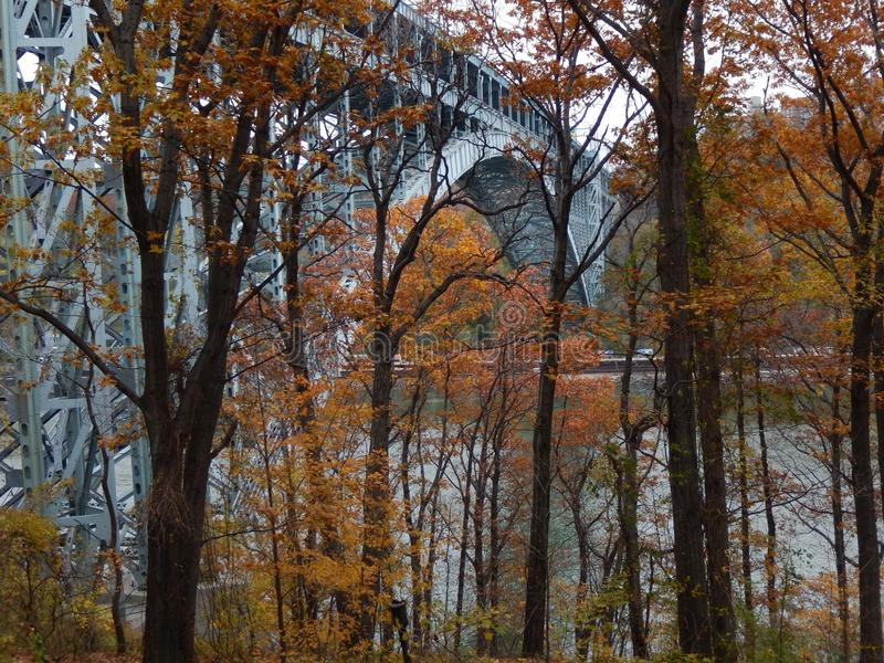 Henry Hudson Bridge nella caduta immagine stock