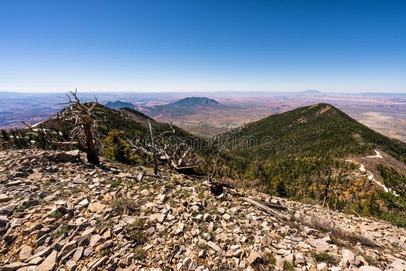 Henry Mountains bonito no deserto de Utá fotografia de stock royalty free