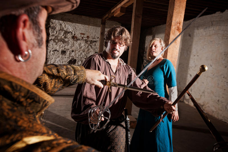 Herói medieval Swordfighting imagens de stock royalty free