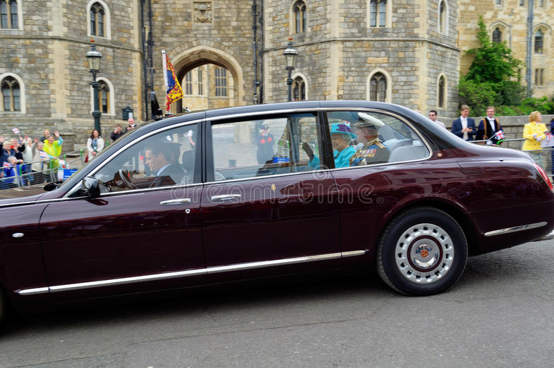 Download Her Majesty the Queen editorial image. Image of england - 25672730