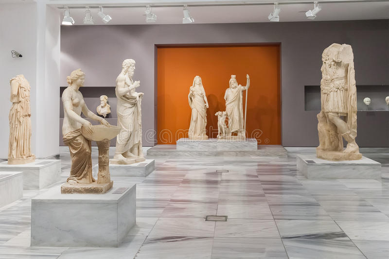 Heraklion arkeologiskt museum på Kreta, Grekland fotografering för bildbyråer