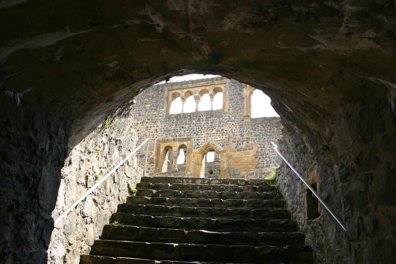 Download Herauf die Treppen stockfoto. Bild von leuchte, historisch - 171562