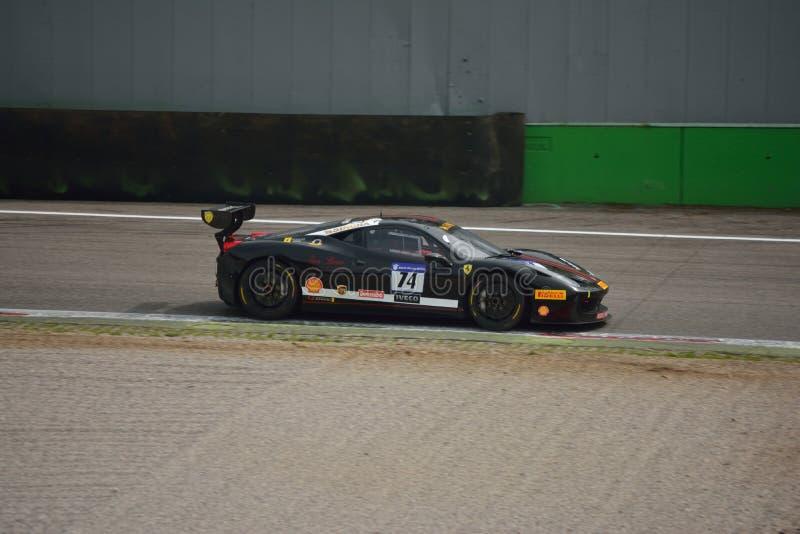 Herausforderung Evo Andrea Benenati Ferraris 458 in Monza lizenzfreies stockbild