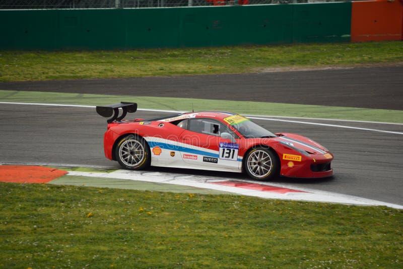 Herausforderung Evo Kriton Lendoudis Ferrari 458 in Monza lizenzfreie stockfotos
