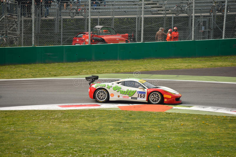 Herausforderung Evo Wayne Marrs Ferraris 458 in Monza lizenzfreies stockfoto