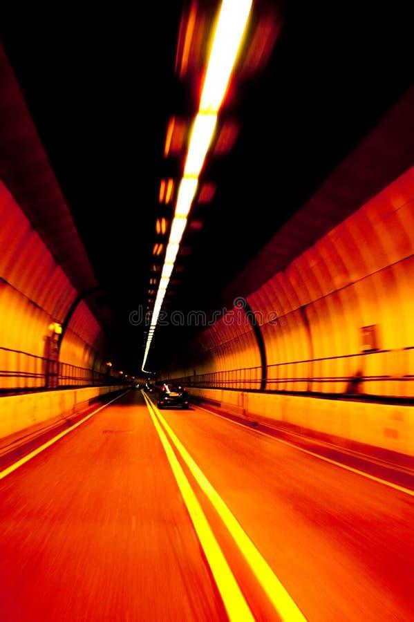 Herausspringen-Kunst Tunnel stockbild