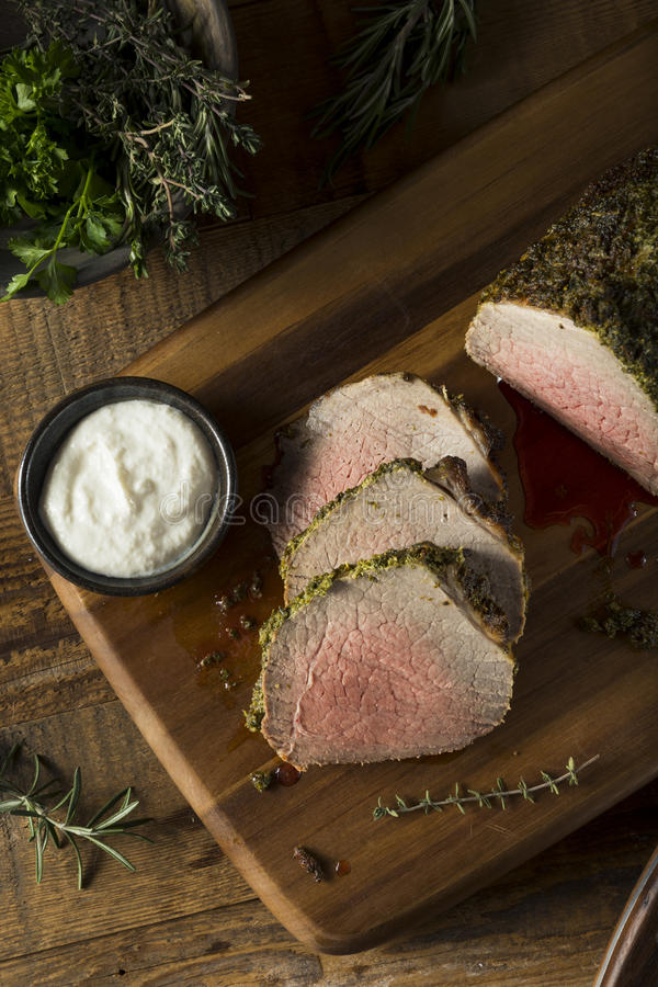 Herb Crusted Roast Beef caseiro fotografia de stock