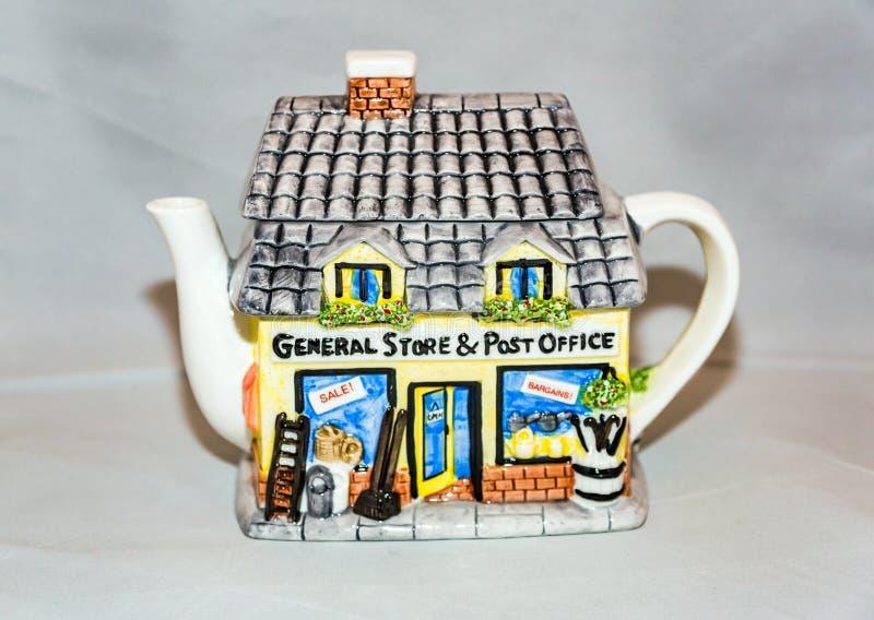 Herbaciany czajnik dla gorącej herbaty zdjęcia stock