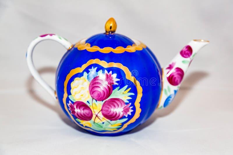 Herbaciany czajnik dla gorącej herbaty obraz royalty free