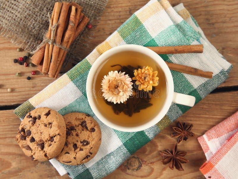 Herbata i ciastko obrazy royalty free