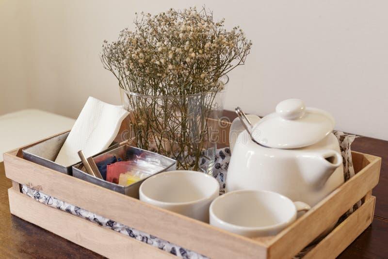 Herbata Ustalony e Drewniany pudełko fotografia royalty free