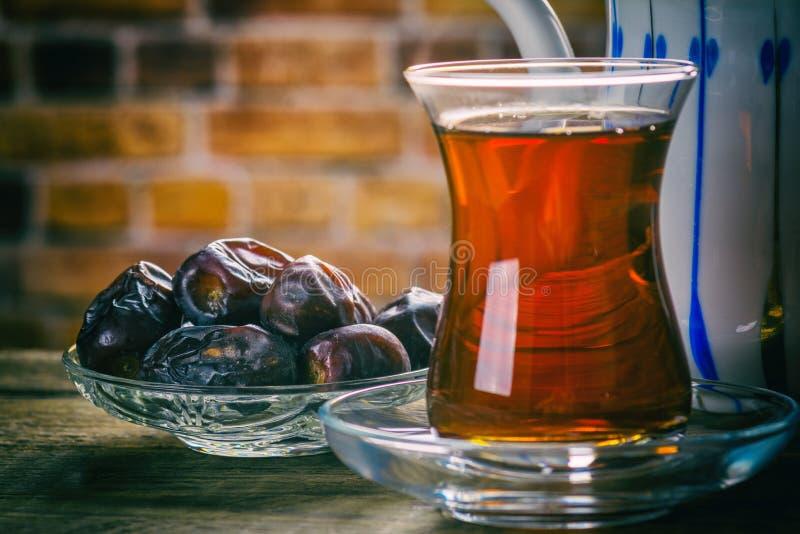 Herbata z datami obrazy stock