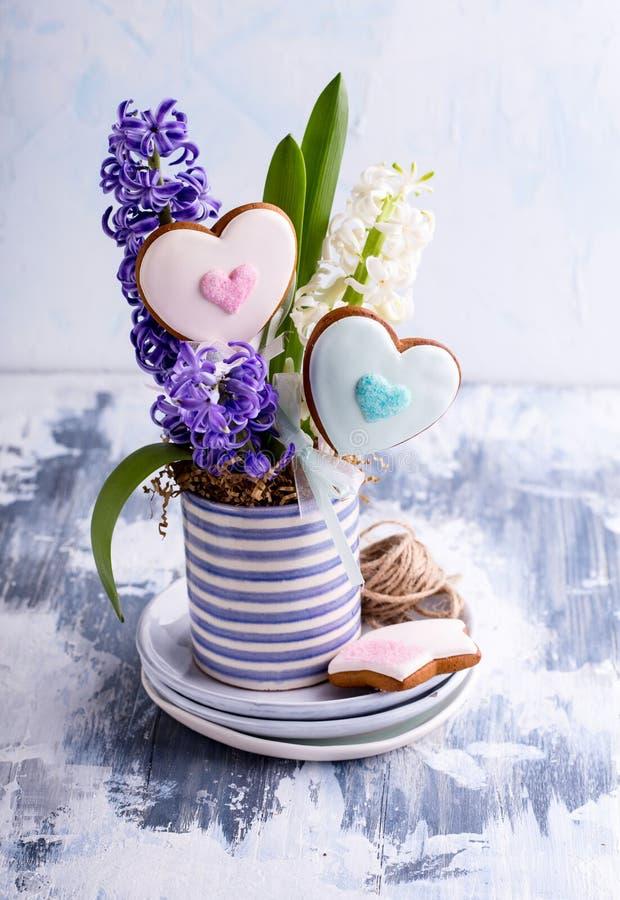 herbatniki w kształcie serca zdjęcia stock