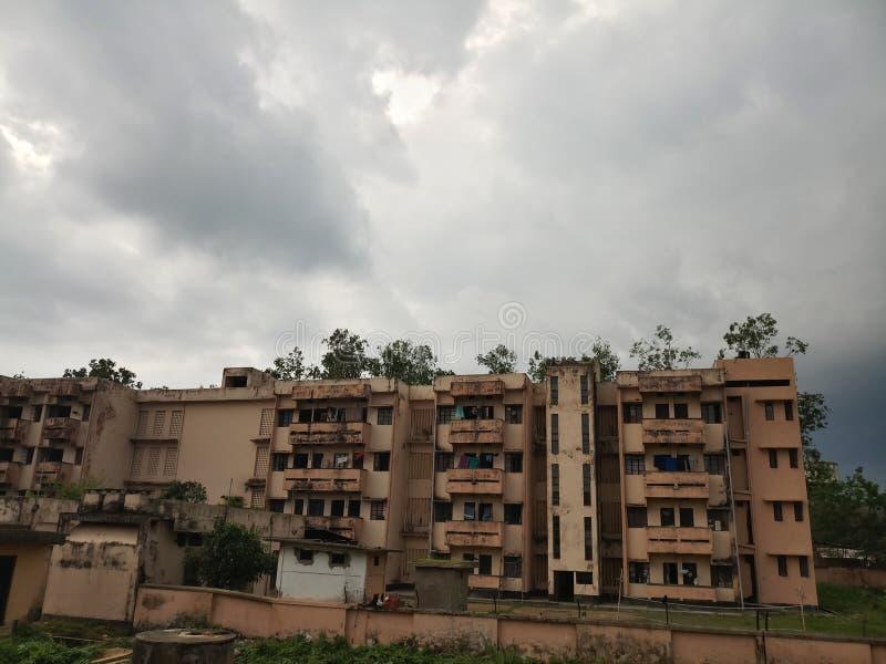 Herbergesgebäudeansicht mit schönem Himmel stockfoto
