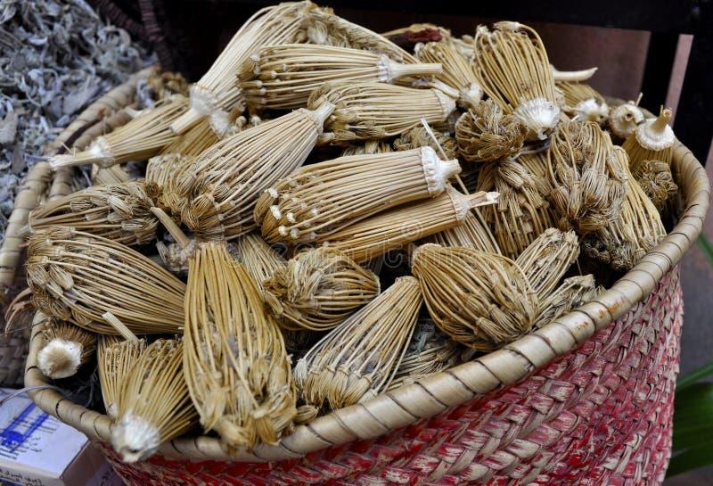 Herbes à vendre dans Souk photos libres de droits
