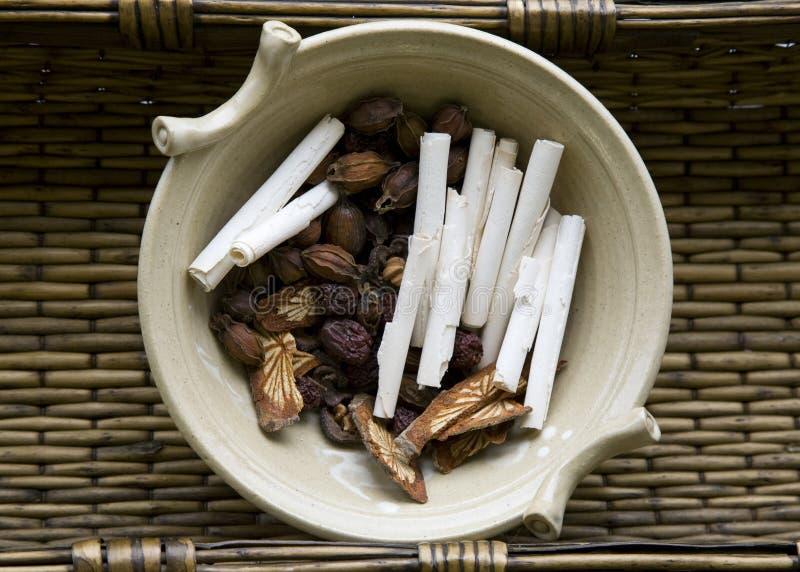 Herbes chinoises crues image stock