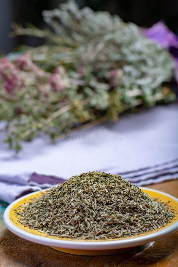 Herbes De Provence, mélange des herbes sèches a considéré typique de photos stock
