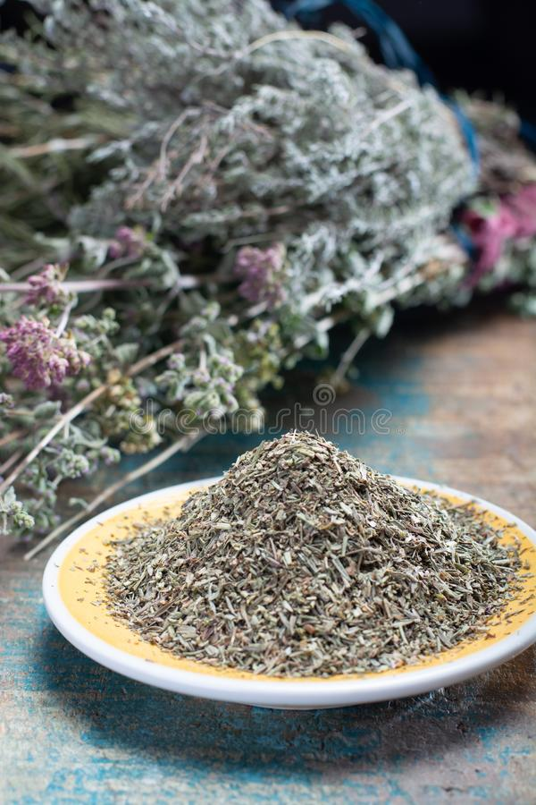Herbes De Provence, mélange des herbes sèches considérées typiques de la région de la Provence, mélanges contiennent souvent savo images libres de droits