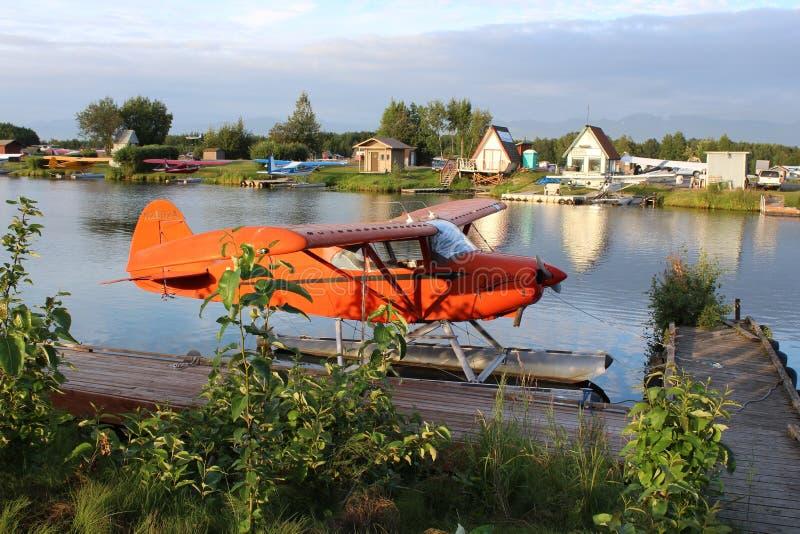 Herbewegungs-Flugzeug in Alaska stockbilder