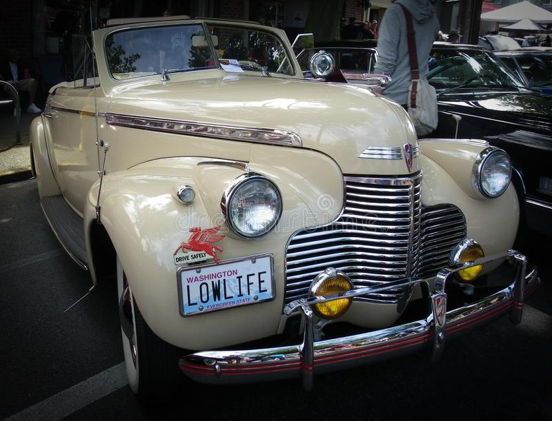 Herbouwde LowLife, de Oude Auto bij auto tonen royalty-vrije stock foto