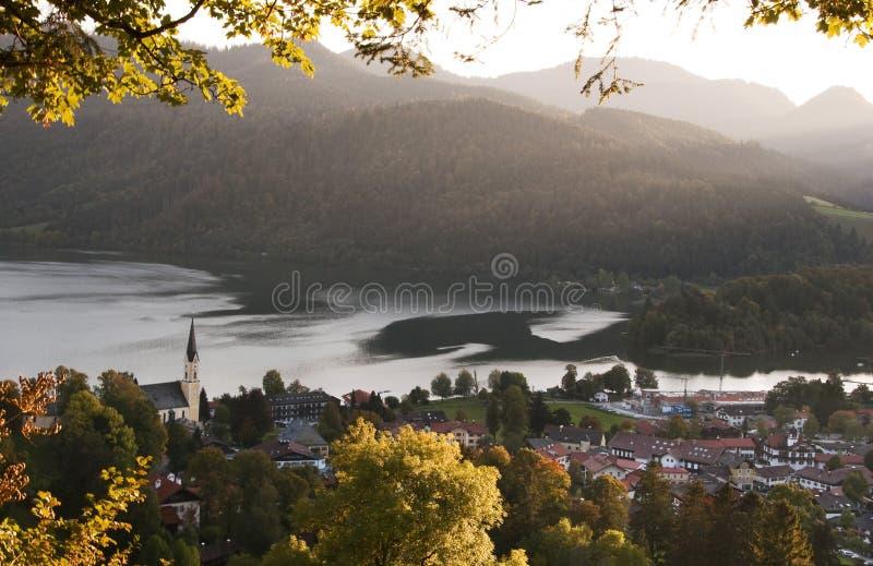 Herbst-Ansicht über See Schilersee lizenzfreie stockfotos