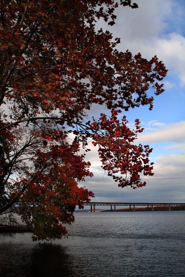 Herbst auf dem Hudson lizenzfreies stockbild