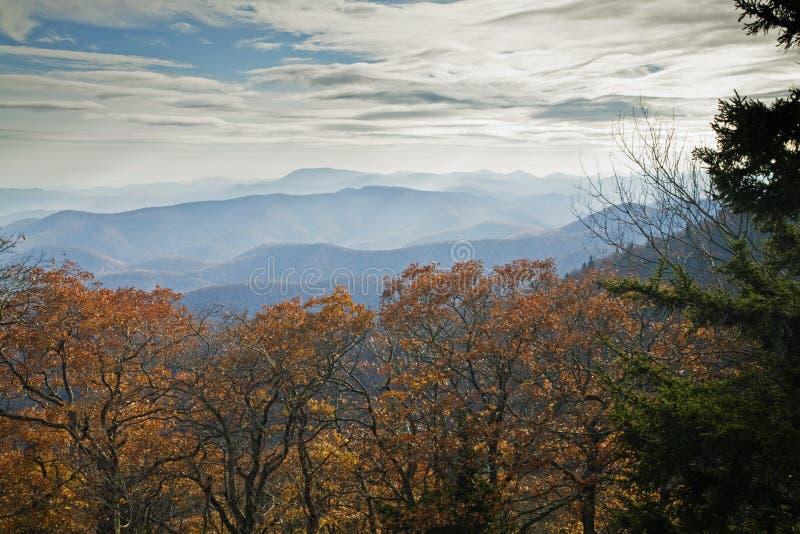 Herbst, blaue Ridge-Allee lizenzfreie stockbilder