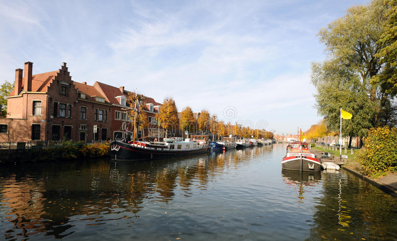 Herbst in Brügge stockfotografie