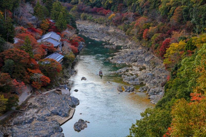 Herbst in der sch?nen japanischen Natur stockfotos