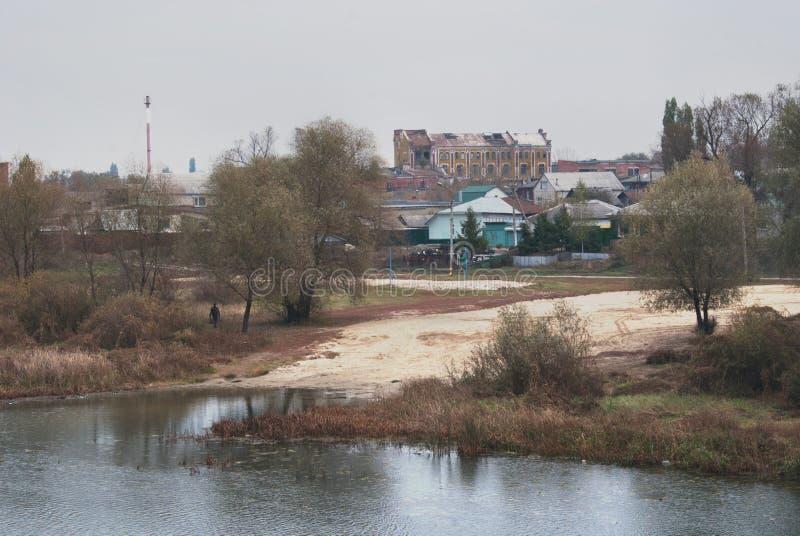 Herbst in der Stadt von Balashov Trichter-Flussufer lizenzfreie stockfotos