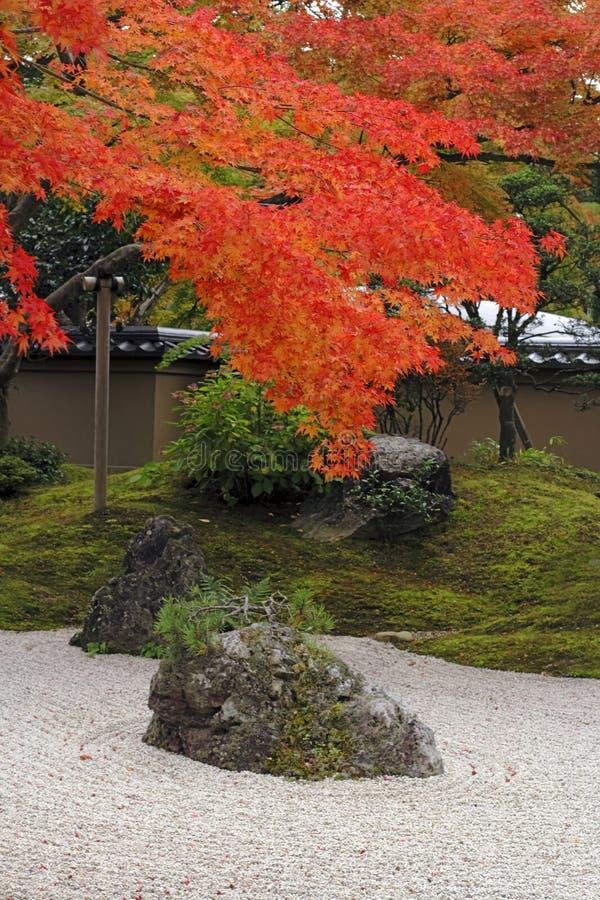 Herbst-Japanergarten stockfotos