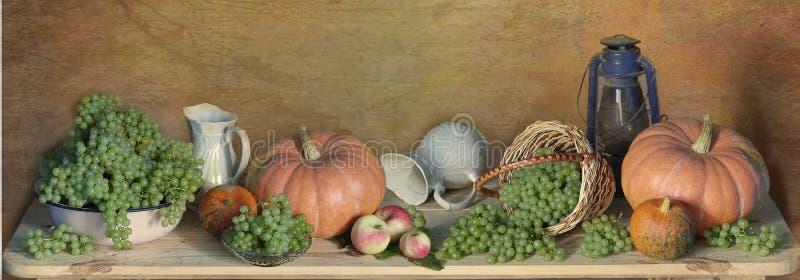 Herbst Nochlebensdauer Begriffserntegraphik mit verschiedenem Gemüse auf dem Feld stockfotos