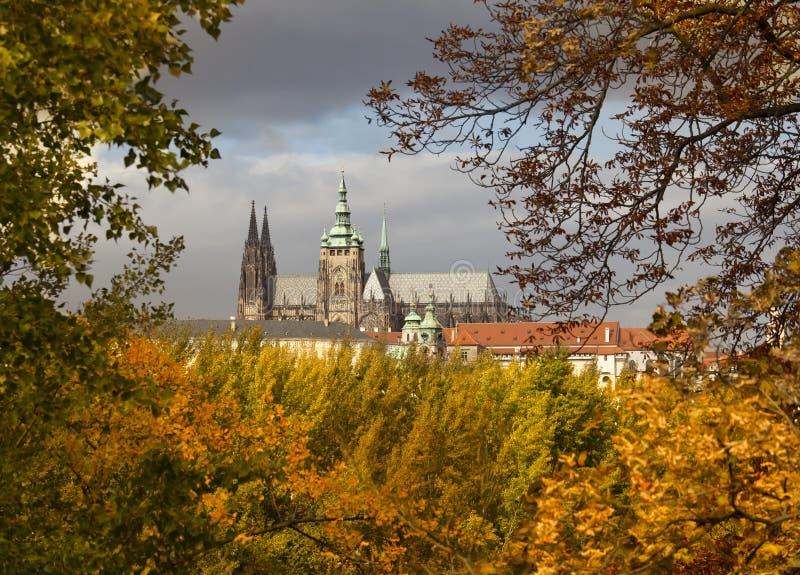 Herbst in Prag stockbilder