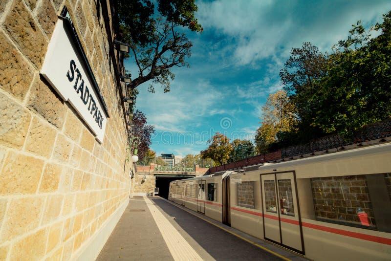 Herbst in Stadtpark - Stadt-Park - Wien lizenzfreies stockbild